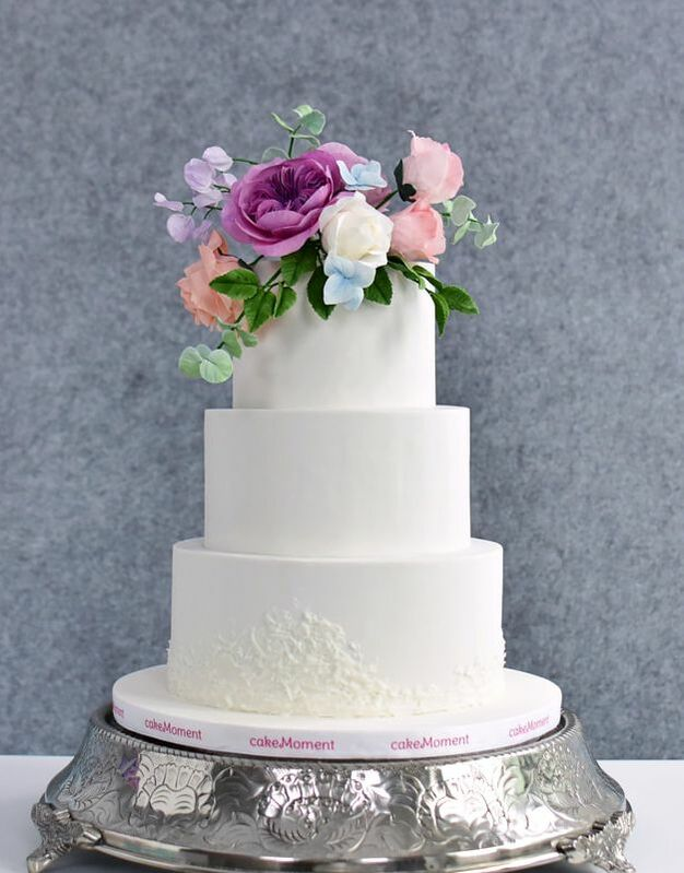 white lace wedding cake hk